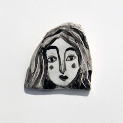 "Porzellan Brosche: ""Woman with Black Hair-2"""